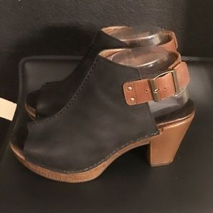 Authentic Dansko leather heels sz Euro 38 US 7.5